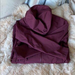 lululemon running rain jacket / merlot / size 4
